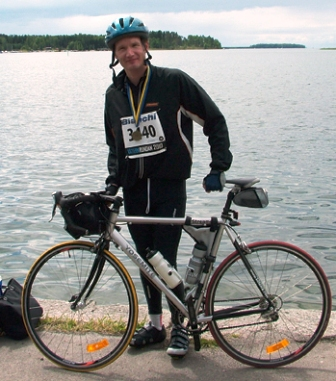 Andrew McQuire bike ridein Sweden